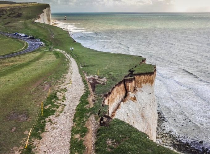 Urgent new Beachy Head cliff warning on Bournefree website