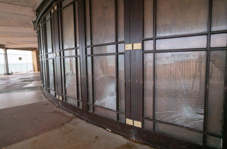 Youths vandalise Eastbourne Bandstand on Bournefree website