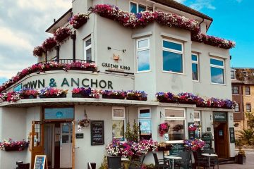 Eastbourne's Crown and Anchor on Bournefree website: Eastbourne pub landlady hopeful for answers from Boris today