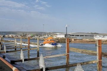 Man pulled from Cuckmere Haven sea by coastguard dies on Eastbourne Bournefree website