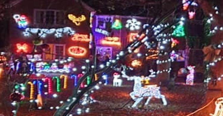 Christmas lights at Hawthylands Road in Hailsham on Bournefree website