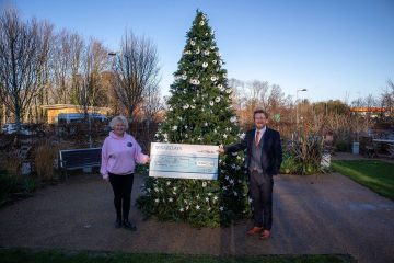 Mike Crane donates £5k to St Wilfrid's Hospice on Eastbourne Bournefree website