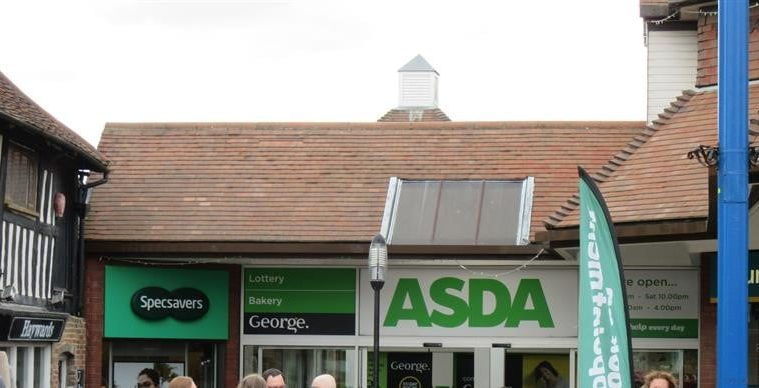 ASDA staff criticised for how they are wearing masks, in Hailsham on Bournefree magazine
