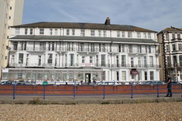 Essex company trying to let rooms at Eastbourne hotel, it's E-ZY Properties from Clacton on the Eastbourne Bournefree website