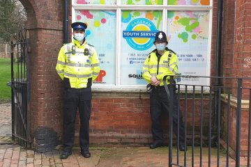 PS Gez Neilan (right) with PCSO Tom Lewis in Hailsham on Eastbourne Bournefree website