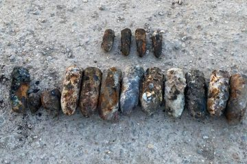 Bomb disposal team recover 20 items at Birling Gap on Eastbourne Bournefree website