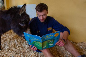 Drusillas Zookeepers Read Stories to Animals for World Book Day on Eastbourne Bournefree website