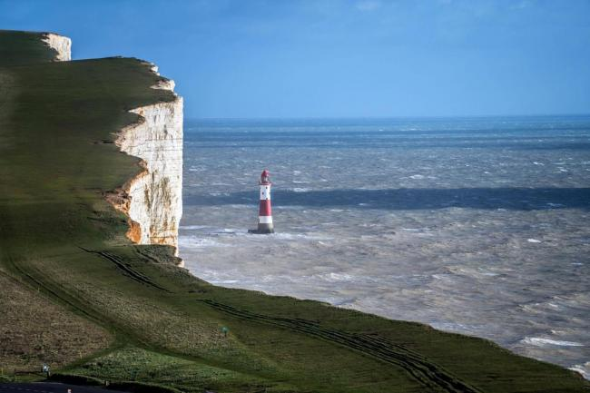 Man jumps off cliffs at Beachy Head this morning on Eastbourne Bournefree website