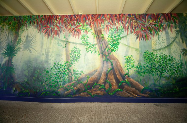 Biggest Ever Mural Painted at Drusillas Park on Eastbourne Bournefree website