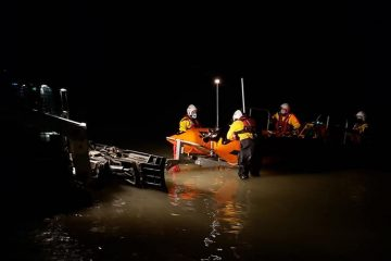 Eastbourne RNLI's late night search for 'despondent person in Sovereign Harbour' on Eastbourne Bournefree website