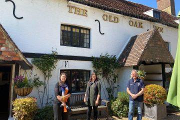 Wealden MP Nus Ghani visits the amazing Old Oak Inn at Arlington on Eastbourne Bournefree website