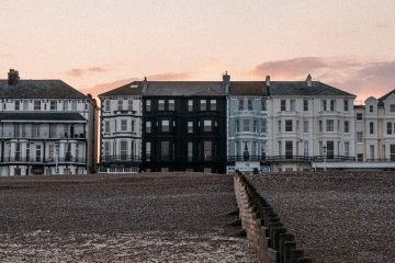 Port Hotels: New Eastbourne hotel stages first art exhibition on Eastbourne Bournefree website