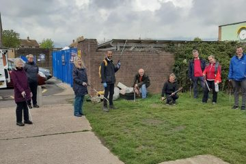 Councillors and volunteers help keep Eastbourne tidy on Eastbourne Bournefree website
