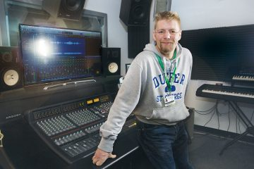 East Sussex College Eastbourne students record musicians for 'ESCG Live Lounge' on Eastbourne Bournefree website