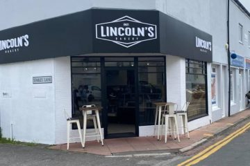 Lincolns: Bakery's grand opening today in Eastbourne town centre on Eastbourne Bournefree website