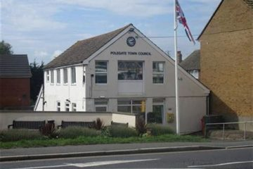 Polegate Town Council receives 'numerous complaints about the weeds throughout the town' on Eastbourne Bournefree website
