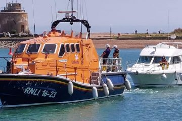 RNLI Eastbourne called to 12 metre motor cruiser 'taking on water' on Eastbourne Bournefree website