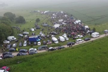 Police warn 'raves' will not be tolerated in Sussex on Eastbourne Bournefree website