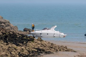 Pair rescued from powerboat 'drifting close to rocks at Sovereign Harbour' on Eastbourne Bournefree website