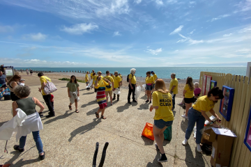 Brewers team clean seafront and beach from Holywell to Eastbourne Pier on Eastbourne Bournefree website