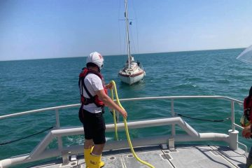 Eastbourne RNLI rescues yacht today which had engine failure on eastbourne Bournefree website