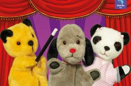 IZZY WHIZZY, LET'S GET BUSY - SOOTY'S BACK AT THE CONGRESS! on Eastbourne Bournefree website