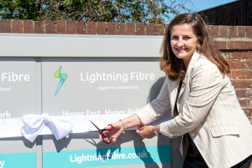 Caroline Ansell, MP, powers up Lightning Fibre's Old Town and Summerdown network.on Eastbourne Bournefree website