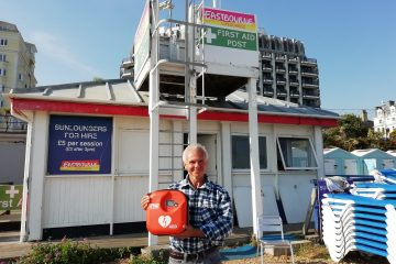 Man Thanks Eastbourne Lifeguards Who Saved His Life on Eastbourne Bournefree website