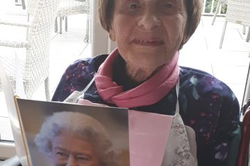 100 year old Betty celebrates birthday at the Hydro Hotel on Eastbourne Bournefree website